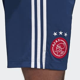 Adidas Ajax Uitshort FI4793 Blauw ajax logo closeup