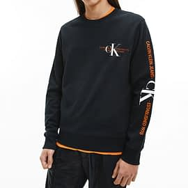Calvin Klein CK Urban Graphic Logo Sweater Zwart J30J318307-BEH model